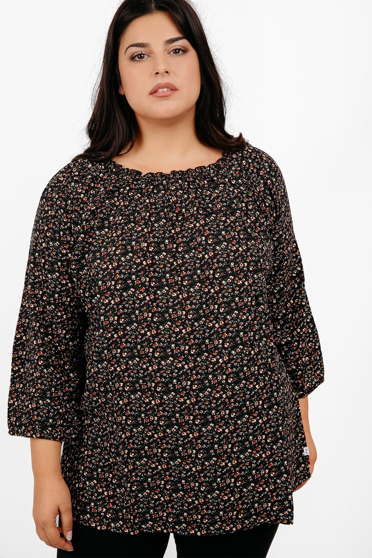 Floral blouse with elastic neck