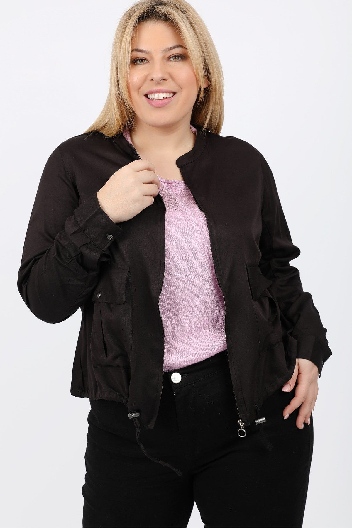Jacket with shirring strings