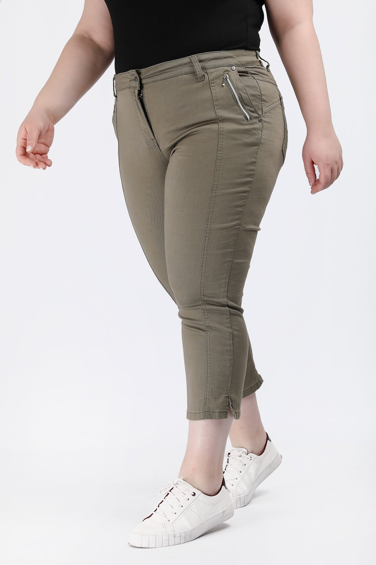 Stretchy cropped trousers