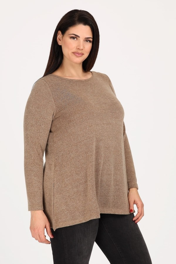 Knit basic blouse with skater finish