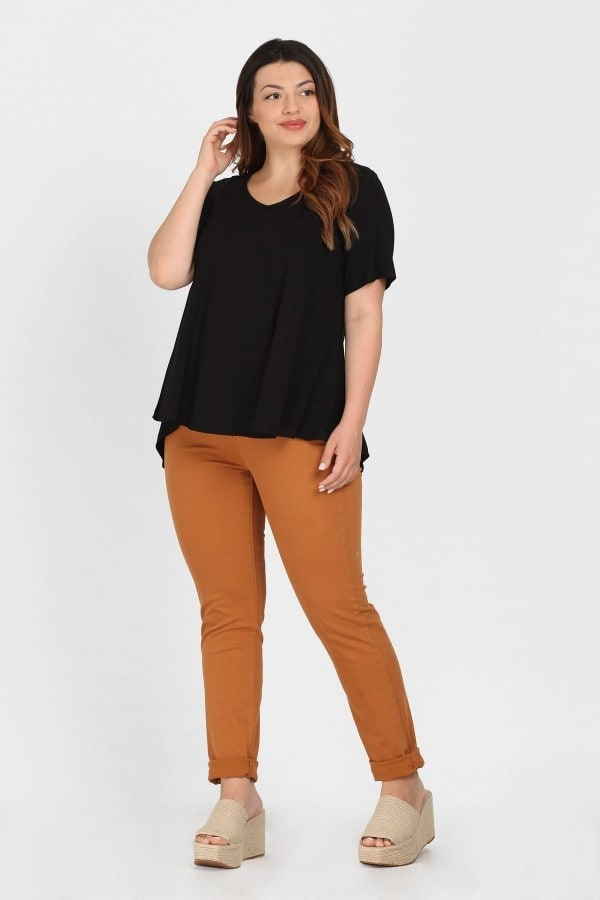 Basic top hi-lo hem