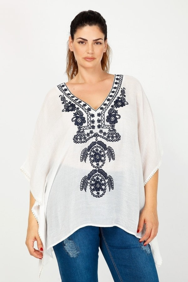 Ethnic kaftan with embroidery on V neck