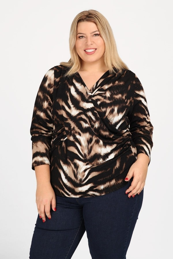 Longsleeved wrap leopard top
