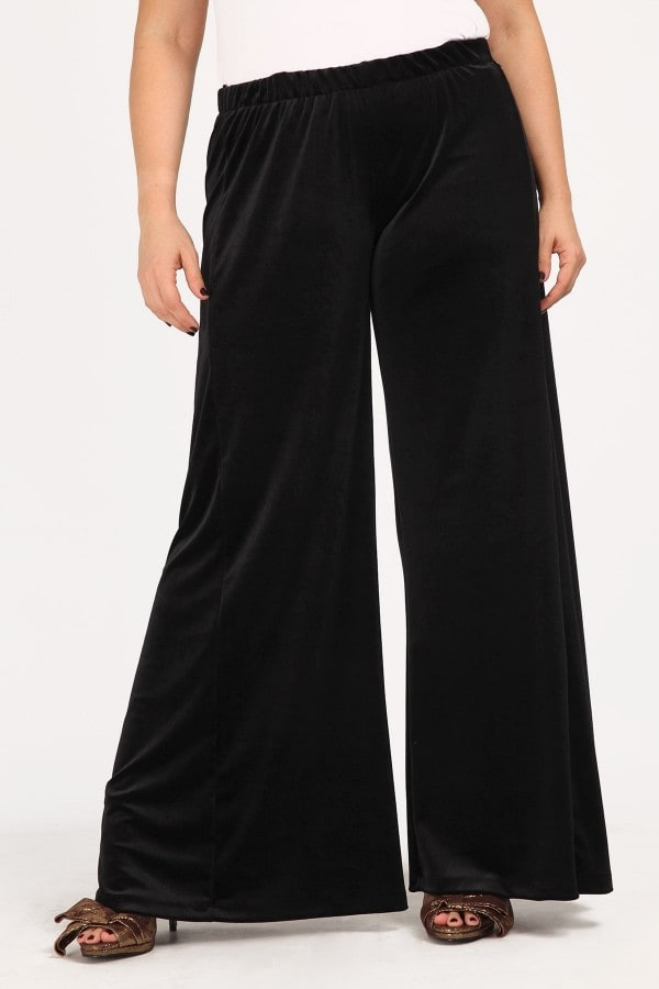 Velvet trousers in straight line