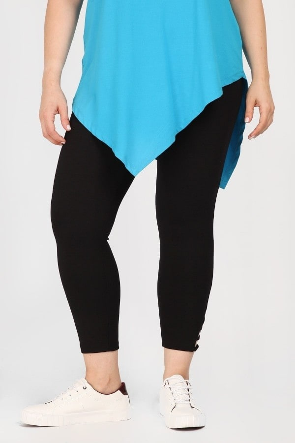 Capri leggings with crossover details