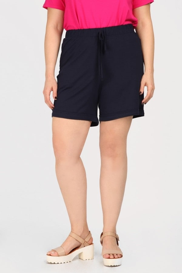 Monochrome viscose shorts