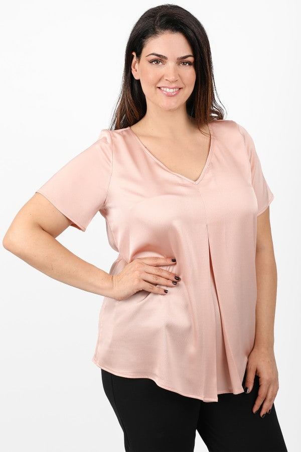 Sateen blouse with pleat on the front