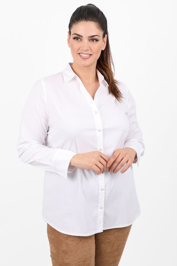 Shirt in classic line