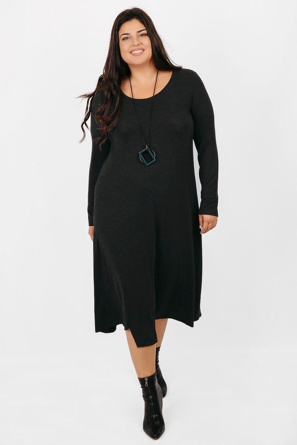 Midi dress with pendant