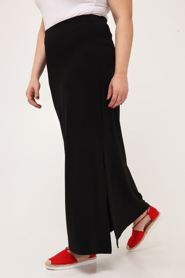 Maxi straight skirt with side slit