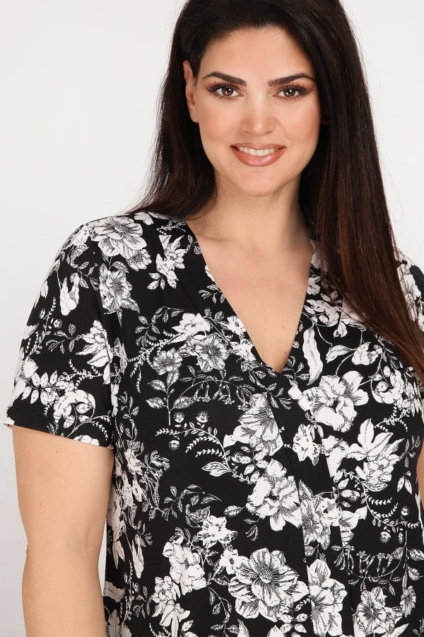 Floral blouse with pleated front