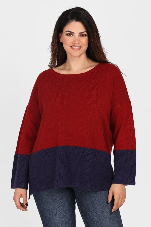 Soft sweater in colorblock pattern