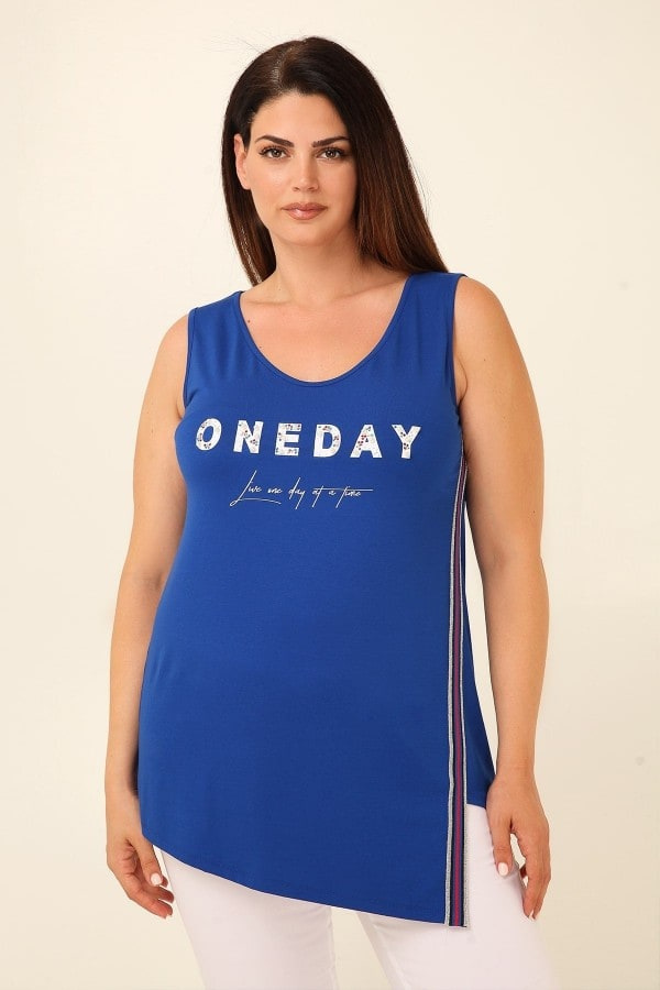 Sleeveless top with logo print and pearls