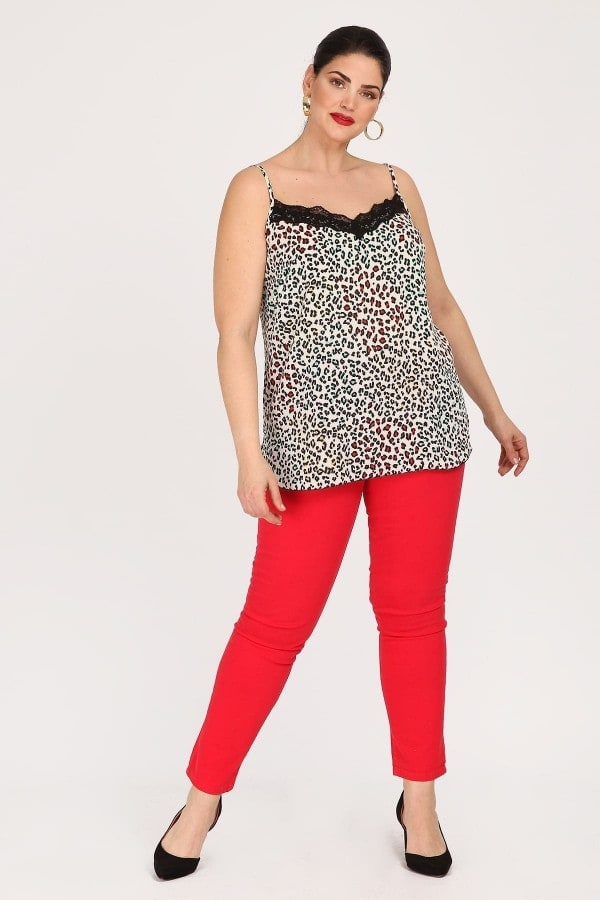 Georgette sleeveless print top with lace hem