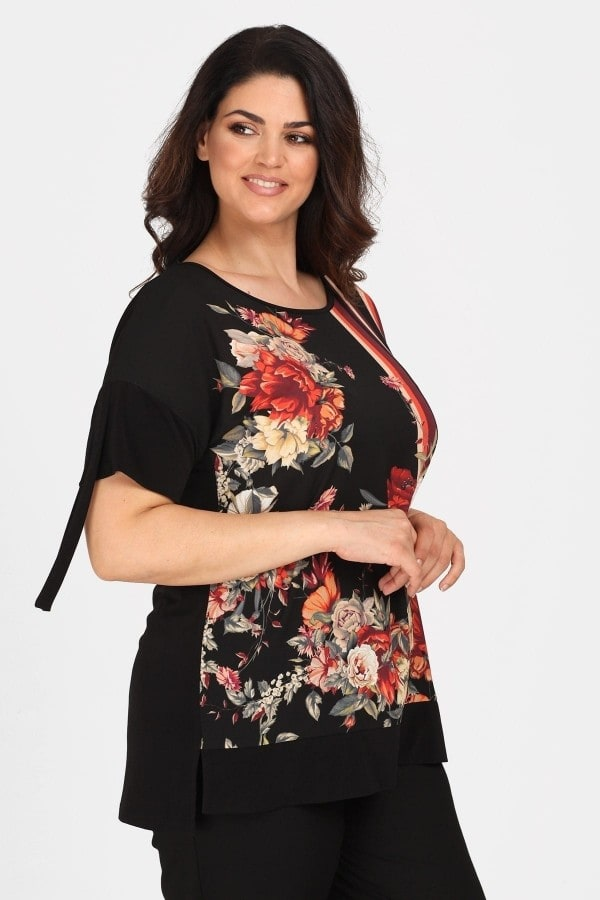 Top with floral print and ties on the sleeves
