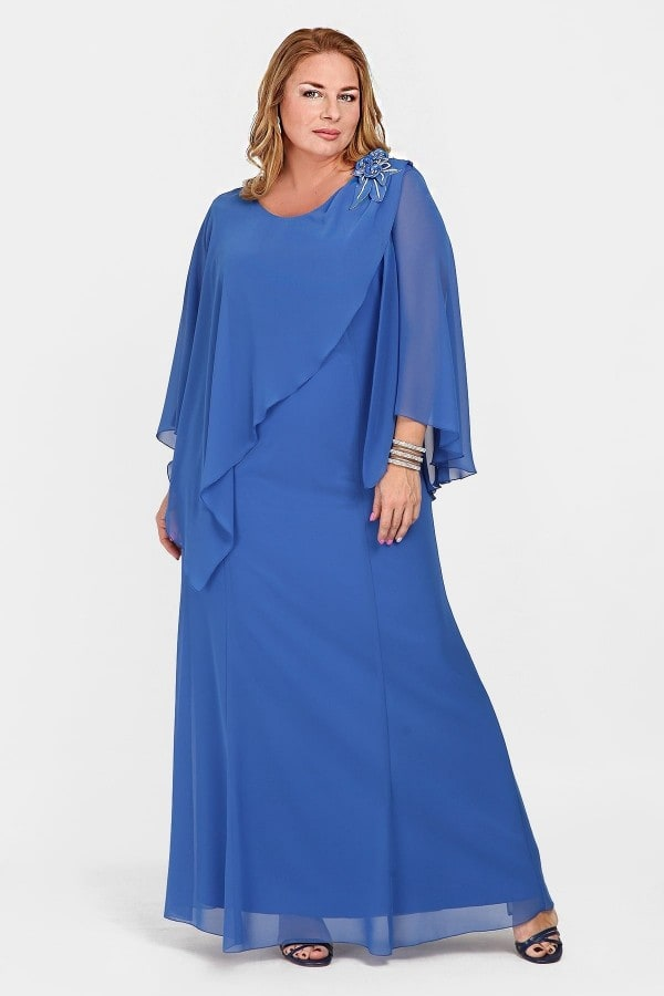 Maxi evening dress with boutonniere