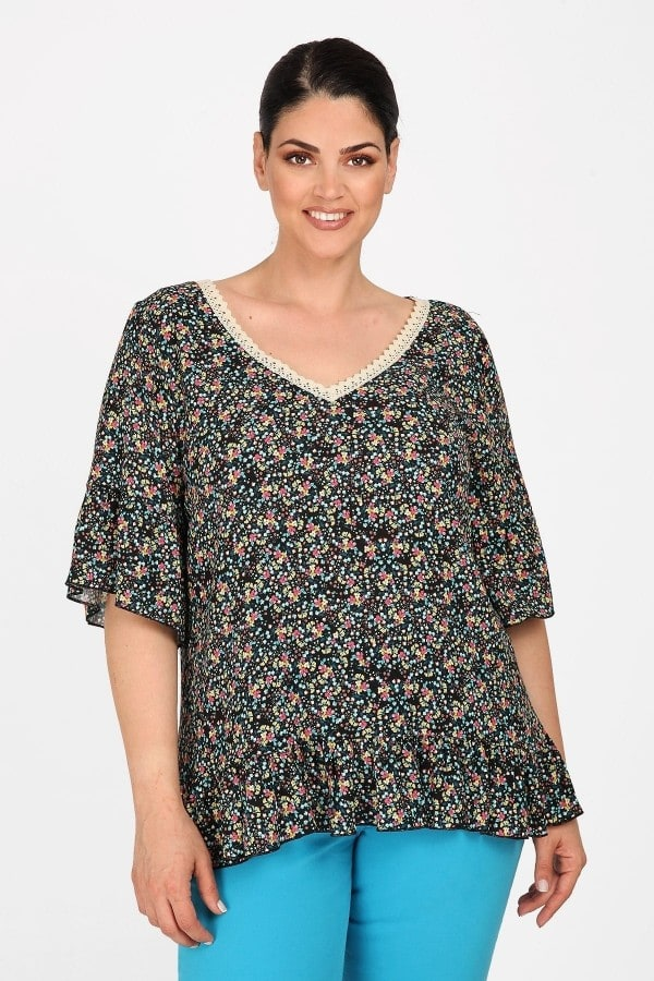 Floral shirtblouse with embroidery on the V