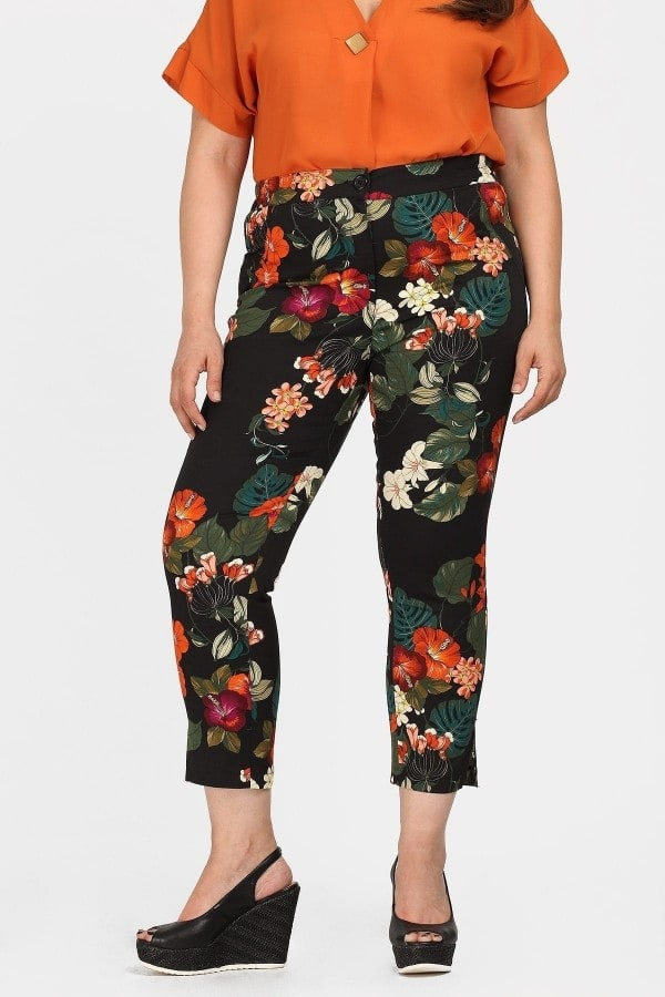 Trousers in floral cotton gabardine