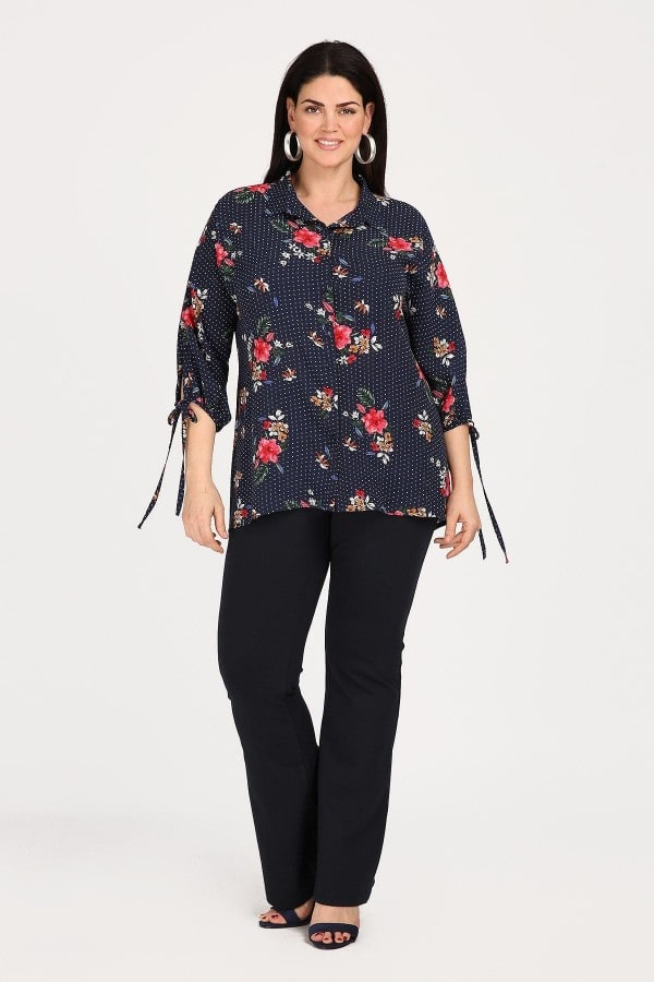 Shirt in patterns combination of floral and dots