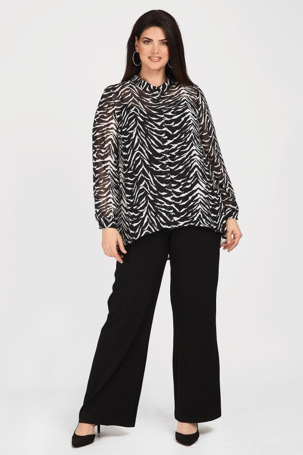 Georgette shirt-blouse in animal print