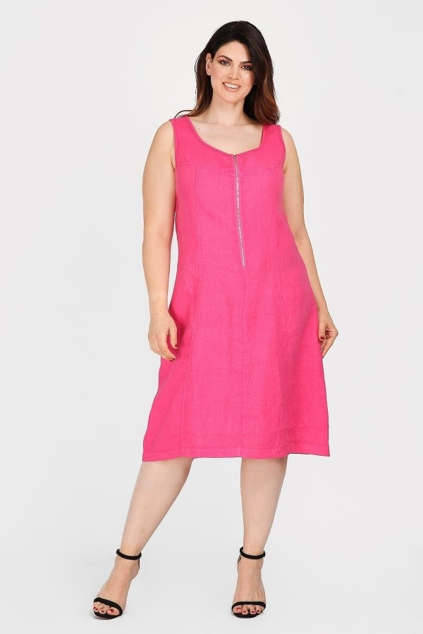 Linen dress with zip on the neckline