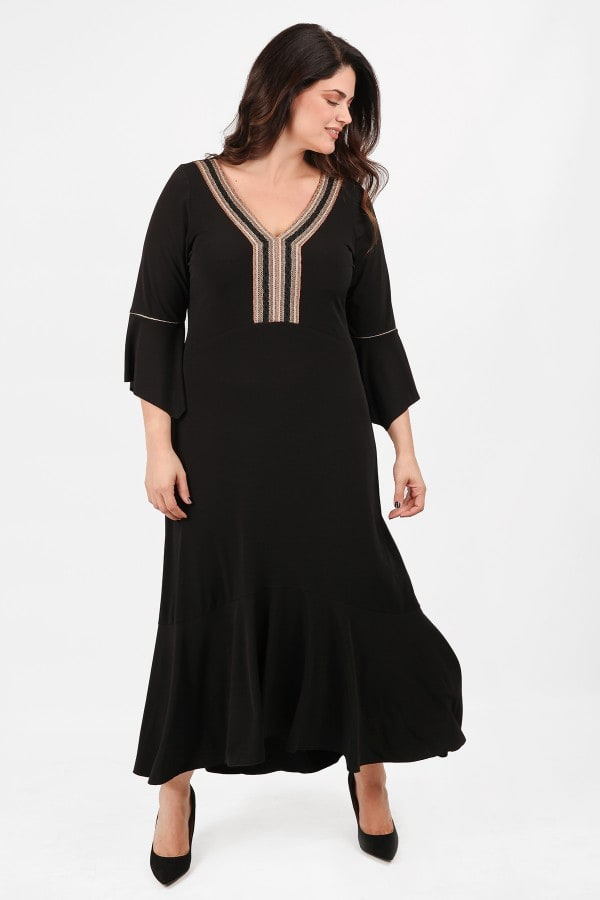 Maxi ethnic dress with embroidery V and flounced hem