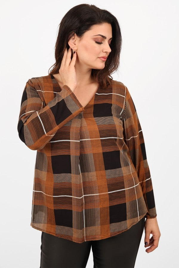 Checkered shirtblouse with pleat on the front