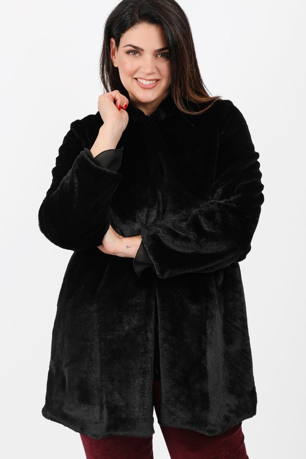 Fur coat with hood