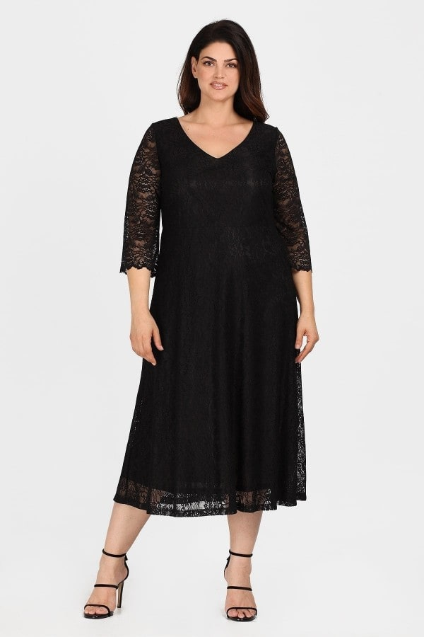 Midi dress from elastic lace