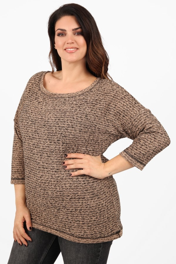 Knit blouse with sequins