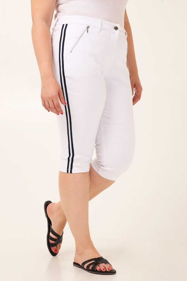 Capri treggings with zippers on pockets  side stripes