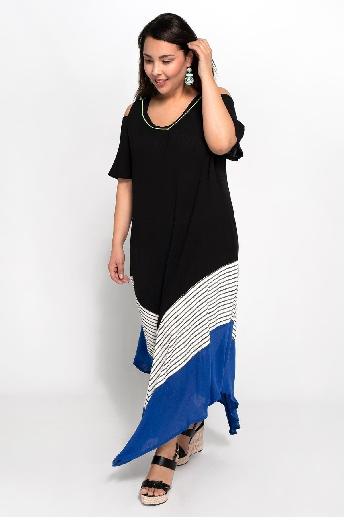 Maxi dress with pointy hems